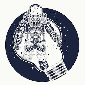 Astronauta em uma tatuagem de lâmpada