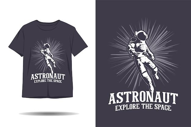 Astronauta explora o design da camiseta da silhueta do espaço