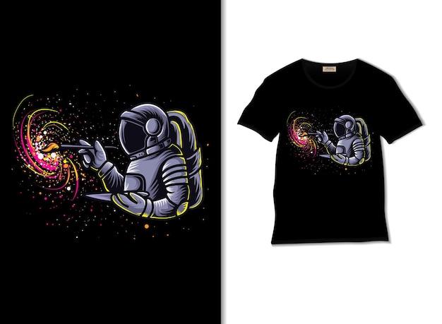 Astronauta pintando o espaço sideral com design de camiseta