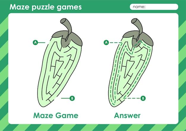 Atividade de jogos de quebra-cabeça de labirinto para crianças com frutas e vegetais pimenta.