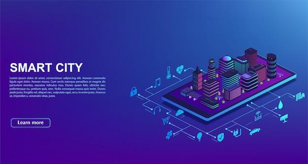 Automação de cidade inteligente de smartphone. conceito de sistema de gestão de edifícios, tecnologia de iot. a cidade está de pé no celular com ícones de controle residencial.