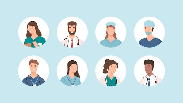 Avatar de equipe médica sorridente isolado. conjunto de cirurgiões de ícones do hospital, enfermeiros e outros praticantes de medicina. rosto de médico dos desenhos animados diferentes de uniforme. ocupação de cuidados de saúde de pessoas