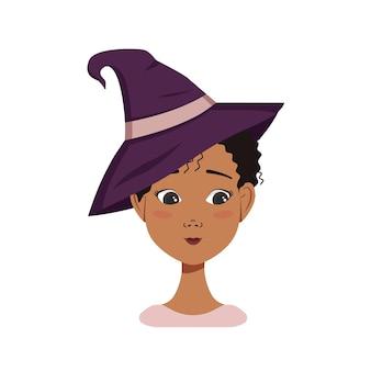Avatar feminino afro-americano com cabelo preto encaracolado, emoções de timidez, rosto constrangido e olhos baixos, usando um chapéu de bruxa. personagem de halloween fantasiada