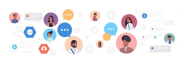 Avatares de mulheres indianas dos homens com o conceito de comunicação de mídia social do discurso de bolha de bate-papo personagens de desenhos animados femininos masculinos usando o retrato horizontal do aplicativo