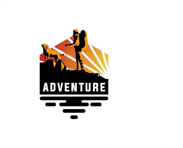 Aventura de logotipo ao ar livre