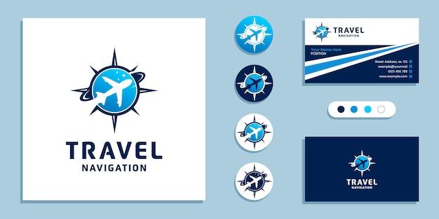 Avião com sinal de bússola. logotipo de navegação em viagens e modelo de design de cartão de visita