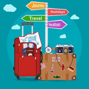 Avião voando sobre bagagem de turistas, mapa, passaporte, ingressos e câmera fotográfica