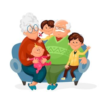 Avô e avó estão sentados no sofá com seus netos.