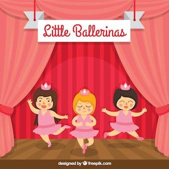 Bailarinas pequenas engraçadas na mostra