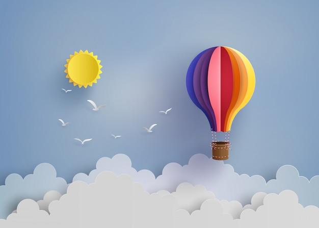 Balão de ar quente e nuvem