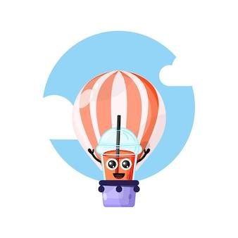 Balão de ar quente em copo de suco de plástico, mascote fofa personagem