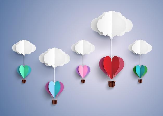 Balão de ar quente em forma de coração.