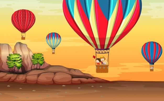 Balão de ar quente no deserto