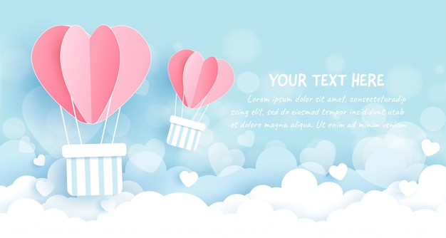 Balões de coração no céu, corte de papel e estilo artesanal.