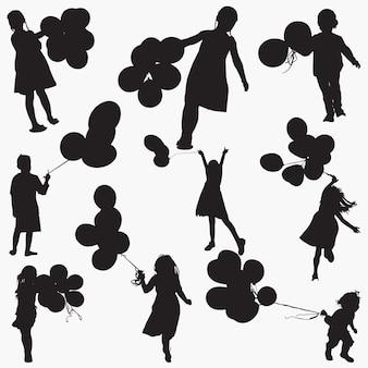 Balões de explorações de criança de silhuetas
