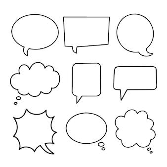 Balões de fala entregam coleção desenhada. conjunto de caixas de diálogo pretas vazias simples.