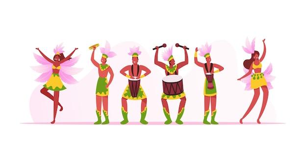 Banda de músicos do carnaval do rio e dançarinos de meninas isolados no fundo branco. jovens tocando bateria durante festival tradicional no brasil. artistas com instrumentos de desenho animado ilustração vetorial plana