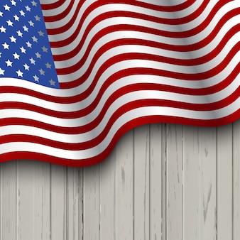 Bandeira americana em um fundo de madeira ideal para celebrações do 4 de julho