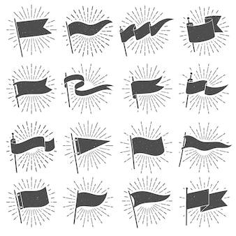 Bandeira de silhueta bandeira, sinalizadores de explosão estrela vintage, sinais de bandeiras rasgadas e conjunto isolado de galhardete retrô grunge