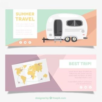 Bandeiras abstratas com caravanas e mapa