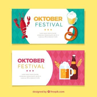 Bandeiras de oktoberfest com comida tradicional