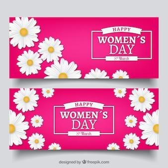 Bandeiras do dia das mulheres com margaridas