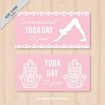 Bandeiras do dia-de-rosa de ioga