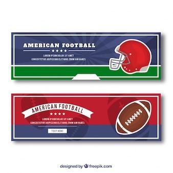 Bandeiras do futebol com capacete e bola