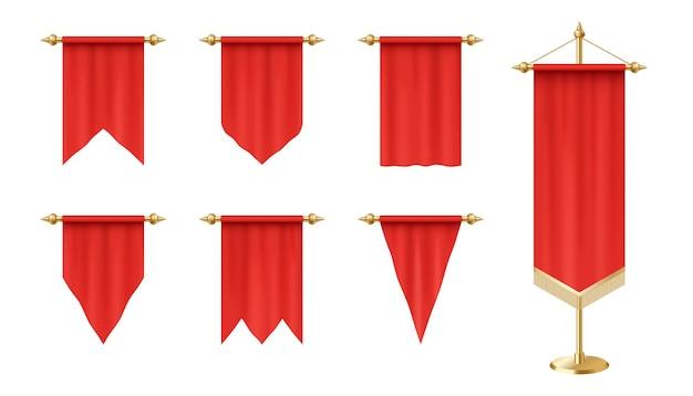 Bandeiras vermelhas realistas isoladas