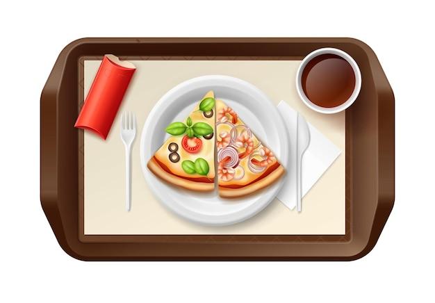 Bandeja de comida servida com prato com duas fatias de pizza, chá e torta