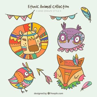 Bando de animais bonitos com desenhos étnicos