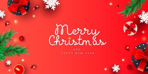 Banner criativo de feliz natal e feliz ano novo com caixa de presente de decoração, neve, pinheiro de natal em