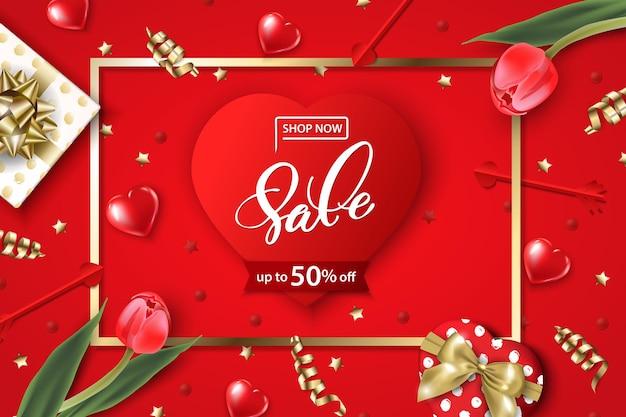 Banner da web de venda do dia dos namorados. vista superior na composição com caixa de presente, tulipas vermelhas, confetes, corações vermelhos brilhantes. molde do vetor.