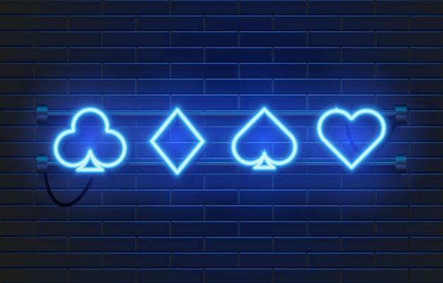Banner de cassino de lâmpada de néon na parede. sinal de jogos de cartas de pôquer ou blackjack.
