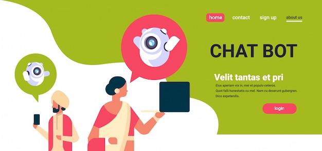 Banner de comunicação de robô de casal indiano homem mulher chatbot