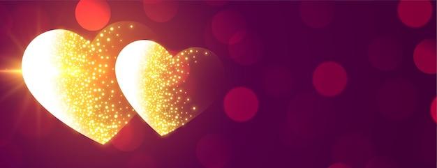 Banner de corações dourados brilhantes e brilhantes para o dia dos namorados