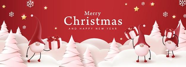 Banner de feliz natal com gnomo fofo e decoração festiva de natal