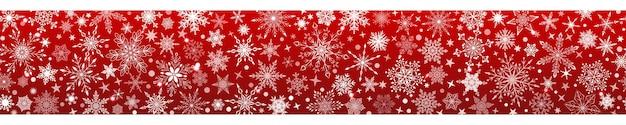 Banner de natal de vários flocos de neve grandes e pequenos complexos com repetição horizontal perfeita, branco sobre fundo vermelho