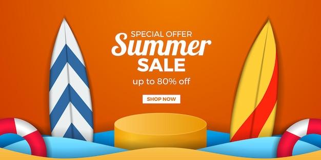 Banner de promoção de oferta de liquidação de verão com visor de pódio de cilindro e prancha de surf