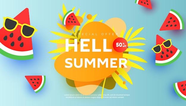 Banner de venda criativa de verão em estilo moderno com folhas tropicais e fatias de melancia madura voando no ar.