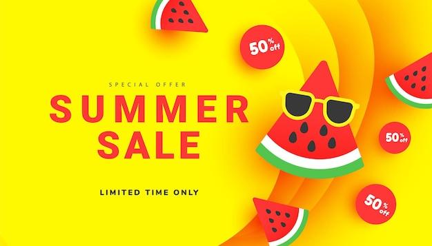 Banner de venda de desconto de verão brilhante com fatias de melancia madura