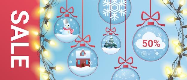 Banner de venda de natal com decoração de bolas festivas