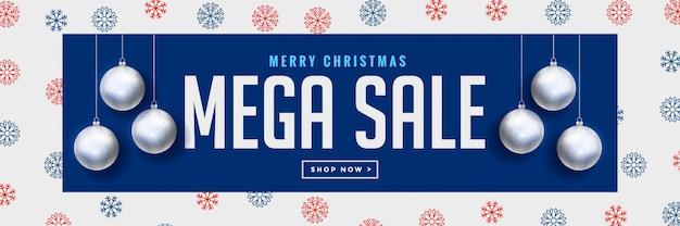 Banner de venda de natal mega com bolas de prata pendurado