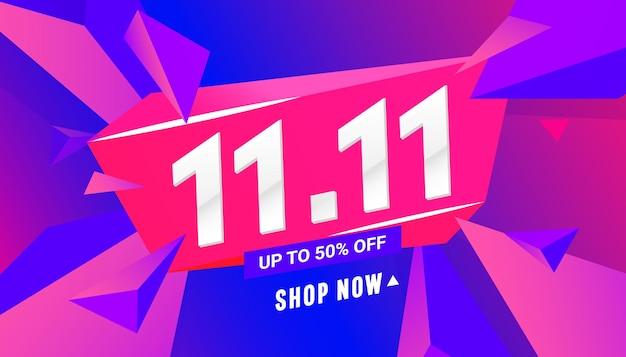 Banner de venda de oferta especial com formas poligonais triangulares no fundo