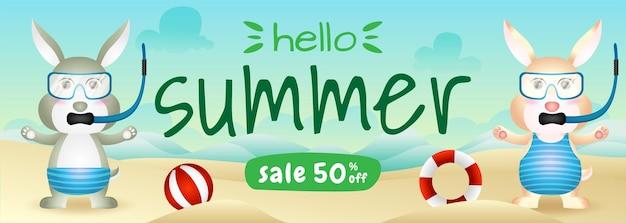 Banner de venda de verão com um casal de coelhos fofos usando fantasia de mergulho na praia