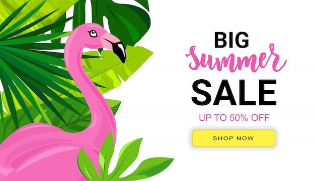 Banner de venda verão com folhas tropicais e flamingo rosa.