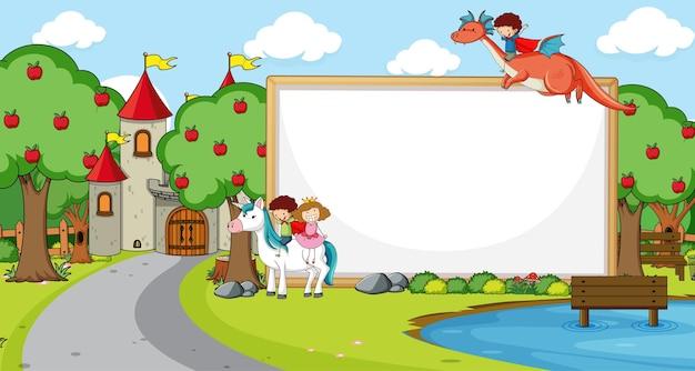 Banner em branco na cena da floresta com personagens e personagens de desenhos animados de contos de fadas