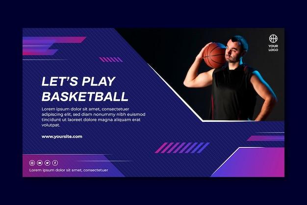 Banner horizontal com jogador de basquete masculino