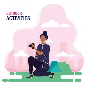 Banner, mulher, realizando atividades ao ar livre de lazer, mulher de fotógrafo, tirando um projeto de ilustração foto