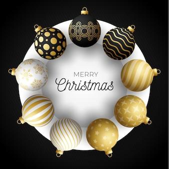 Banner quadrado de venda de natal de luxo. cartão de natal com bolas realistas pretas, douradas e brancas ornamentadas no círculo branco e fundo preto moderno. ilustração. lugar para o seu texto